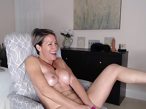 Hot older woman on cam (short video)