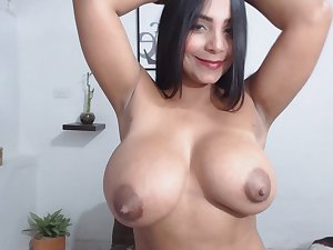 Venezuelan Girl With Milky Melons Spreads Her Rear End